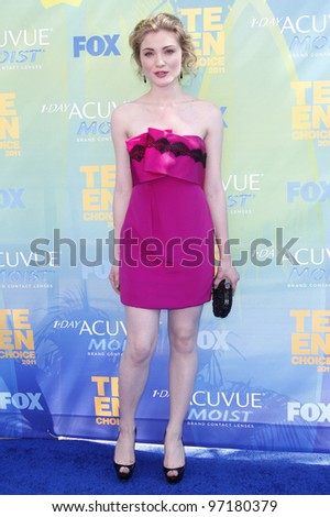 LOS ANGELES - AUG 7: Skyler Samuels arrives at the 2011 Teen Choice Awards held at Gibson Amphitheatre on August 7, 2011 in Los Angeles, California