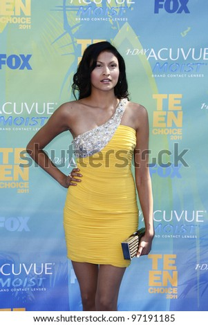 LOS ANGELES - AUG 7: Tinsel Korey arrives at the 2011 Teen Choice Awards held at Gibson Amphitheatre on August 7, 2011 in Los Angeles, California