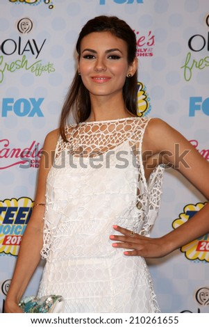LOS ANGELES - AUG 10:  Victoria Justice at the 2014 Teen Choice Awards Press Room at Shrine Auditorium on August 10, 2014 in Los Angeles, CA