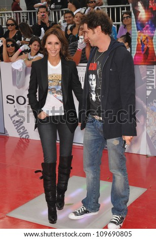 "LOS ANGELES, CA - OCTOBER 27, 2009: Jennifer Love Hewitt & jamie Kennedy at the premiere of Michael Jackson's ""This Is It"" at the Nokia Theatre, L.A. Live. - stock photo"