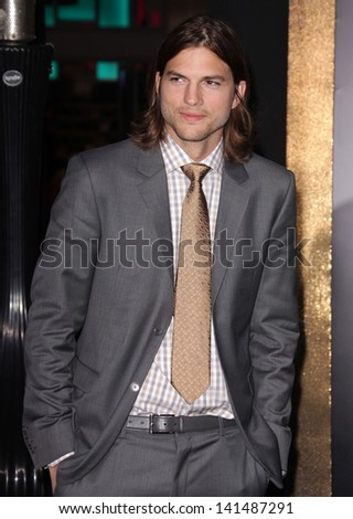 "LOS ANGELES - DEC 05:  ASHTON KUTCHER arriving to ""New Year's Eve"" World Premiere  on December 5, 2011 in Hollywood, CA"