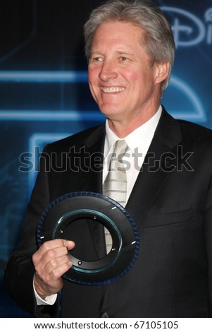 "LOS ANGELES - DEC 11:  Bruce Boxleitner arrives at the ""TRON: Legacy"" Premiere at El Capitan Theater on December 11, 2010 in Los Angeles, CA."