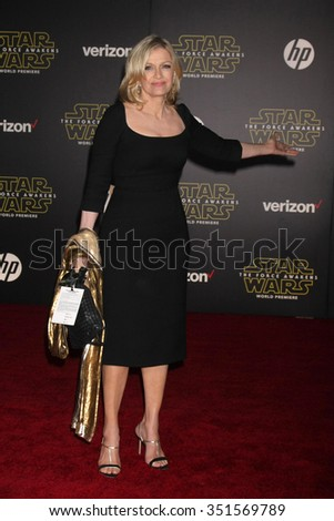 LOS ANGELES - DEC 14:  Diane Sawyer at the Star Wars: The Force Awakens World Premiere at the Hollywood & Highland on December 14, 2015 in Los Angeles, CA