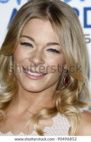 LOS ANGELES - DEC 9: LeAnn Rimes at the American Giving Awards Presented By Chase at the Dorothy Chandler Pavilion on December 9, 2011 in Los Angeles, California