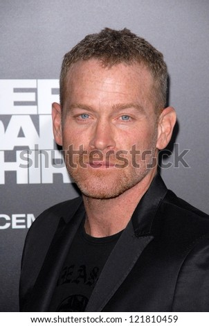 LOS ANGELES - DEC 10:  Max Martini arrives to the 'Zero Dark Thirty' premiere at Dolby Theater Zeeroey Doesno siw