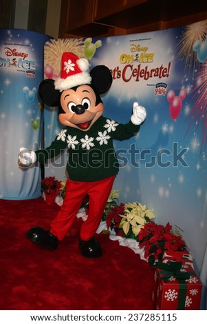 "LOS ANGELES - DEC 11:  Mickey Mouse at the ""Disney on Ice"" Red Carpet Reception at the Staples Center on December 11, 2014 in Los Angeles, CA"
