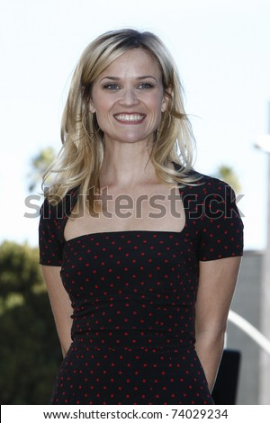 LOS ANGELES - DEC 1: Reese Witherspoon receives a star on the Hollywood Walk of Fame on December 1, 2010 in Los Angeles, CA