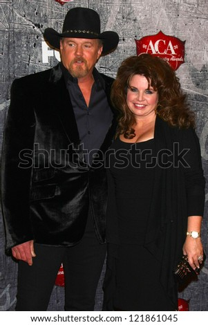 LOS ANGELES - DEC 10:  Trace Adkins arrives to the American Country Awards 2012 at Mandalay Bay Resort and Casino on December 10, 2012 in Las Vegas, NV