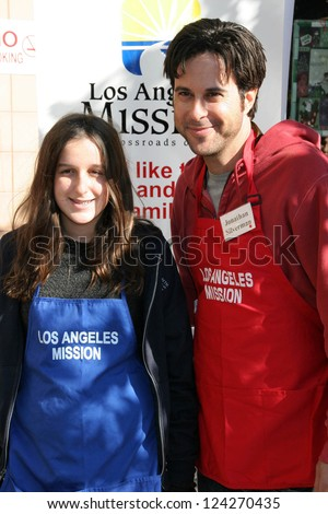 LOS ANGELES - DECEMBER 22: Jonathan Silverman and a volunteer at the Annual Los Angeles Mission Christmas Event December 22, 2006 in Los Angeles, CA.