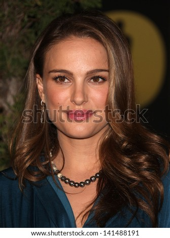 LOS ANGELES - FEB 7:  NATALIE PORTMAN arrives to the 83rd Academy Awards Nominees Luncheon  on Feb 7, 2011 in Beverly Hills, CA