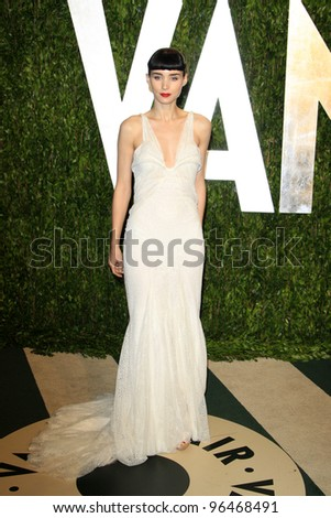 LOS ANGELES - FEB 26:  Rooney Mara arrives at the 2012 Vanity Fair Oscar Party  at the Sunset Tower on February 26, 2012 in West Hollywood, CA