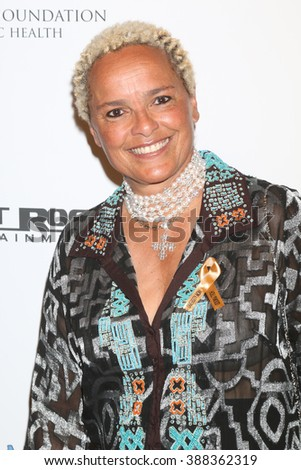 LOS ANGELES - FEB 28:  Shari Belafonte at the Style Hollywood Viewing Party 2016 at the Hollywood Museum on February 28, 2016 in Los Angeles, CA
