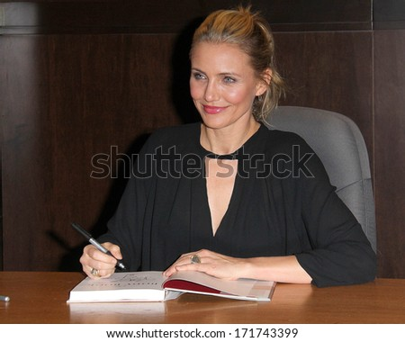 """LOS ANGELES - JAN 16:  Cameron Diaz at the Cameron Diaz Signs """"The Body Book"""" at Barnes & Noble on January 16, 2014 in Los Angeles, CA - stock photo"""