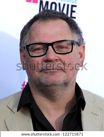 LOS ANGELES - JAN 12:  JANUSZ KAMINSKI arriving to Critic's Choice Movie Awards 2012  on January 12, 2012 in Hollywood, CA
