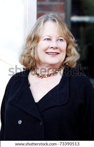 LOS ANGELES - JAN  10:  Shirley Knight arrives at the premiere of 'Paul Blart Mall Cop' in Los Angeles, California on January 10, 2009.