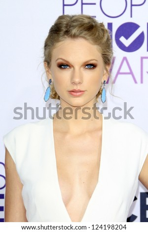 LOS ANGELES - JAN 9: Taylor Swift at the 39th Annual People's Choice Awards at Nokia Theater L.A. Live on January 9, 2013 in Los Angeles, California