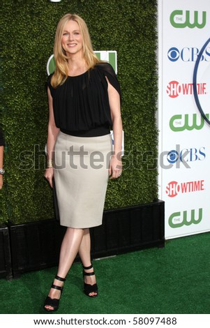 LOS ANGELES - JUL 28:  Laura Linney arrives at the 2010 CBS, The CW, Showtime Summer Press Tour Party  at The Tent Adjacent to Beverly Hilton Hotel on July28, 2010 in Beverly Hills, CA ...