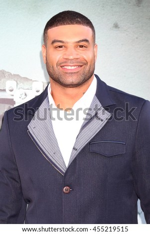 "LOS ANGELES - JUL 19:  Shawne Merriman at the ""Lights Out"" Los Angeles Premiere at the TCL Chinese Theater IMAX on July 19, 2016 in Los Angeles, CA - stock photo"