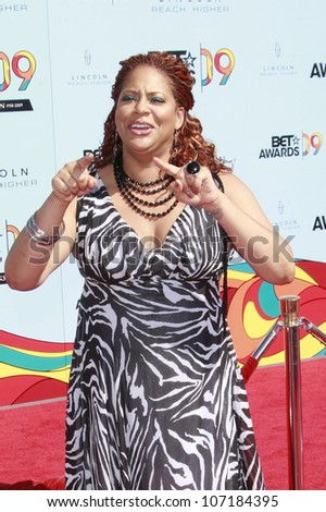 LOS ANGELES - JUN 28: Kim Coles at the 2009 BET Awards held at the Shrine Auditorium in Los Angeles, California on June 28, 2009 - stock photo