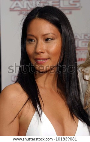 LOS ANGELES - JUN 18: Lucy Liu at the premiere of 'Charlie's Angels: Full Throttle' on June 18, 2003 in Los Angeles, California