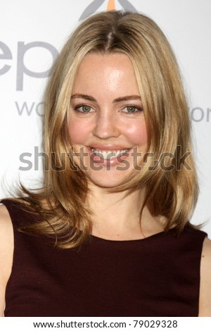 LOS ANGELES - JUN 10:  Melissa George arrives at the 8th Annual Inspiration Awards Benefiting Step-up Women's Network at Beverly Hilton Hotel on June 10, 2011 in Beverly Hills, CA