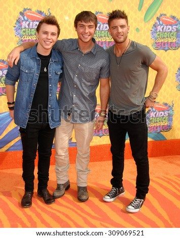 LOS ANGELES - MAR 29:  Emblem3 arrives at the 2014 NICKELODEON KIDS CHOICE AWARDS  on March 29, 2014 in Los Angeles, CA