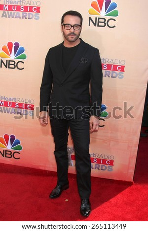 LOS ANGELES - MAR 29:  Jeremy Piven at the 2015 iHeartRadio Music Awards at the Shrine Auditorium on March 29, 2015 in Los Angeles, CA - stock photo