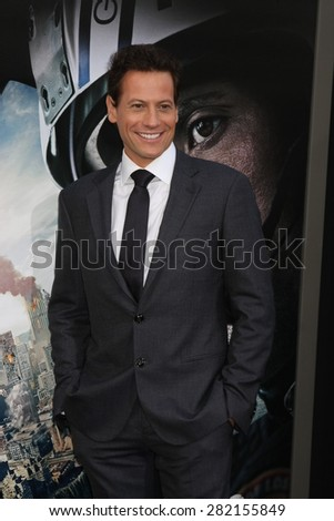 "LOS ANGELES - MAY 26:  Ioan Gruffudd at the ""San Andreas"" World Premiere at the TCL Chinese Theater IMAX on May 26, 2015 in Los Angeles, CA"