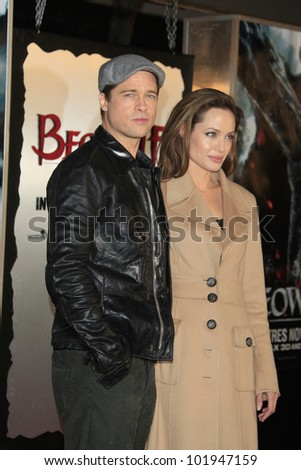 LOS ANGELES - NOV 5: Angelina Jolie at the Beowulf premiere on November 5, 2007 in Westwood, California