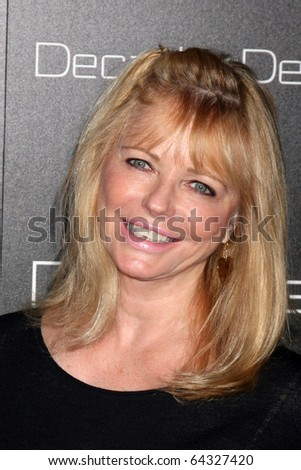 LOS ANGELES - NOV 2:  Cheryl Tiegs arrives at the Decades Denim Fashion Show at Private Home on November 2, 2010 in Beverly HIlls, CA