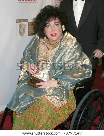 LOS ANGELES - NOV 10:  Elizabeth Taylor arrives at the 2005 BAFTA/LA Cunard Britannia Awards at Beverly Hills on November 10, 2005 in Beverly Hills, CA