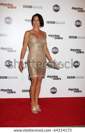 LOS ANGELES - NOV 1:  Giselle Fernandez  arrives at the Dancing With The Stars 200th Show Party at Boulevard3 on November 1, 2010 in Los Angeles, CA