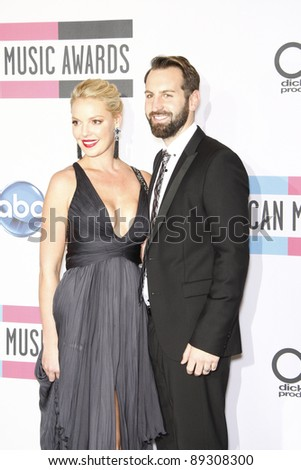 LOS ANGELES - NOV 20: Katherine Heigl; Josh Kelley at the 2011 American Music Awards Press Room held at Nokia Theatre L.A. Live on November 20, 2011 in Los Angeles, California