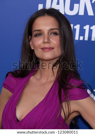 "LOS ANGELES - NOV 06:  KATIE HOLMES arriving to""Jack and Jill"" Los Angeles Premiere  on November 06, 2011 in Westwood, CA"