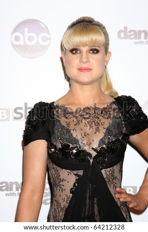 LOS ANGELES - NOV 1:  Kelly Osbourne arrives at the Dancing With The Stars 200th Show Party at Boulevard3 on November 1, 2010 in Los Angeles, CA