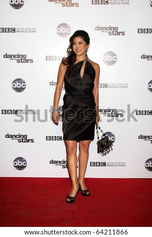 LOS ANGELES - NOV 1:  Kristi Yamaguchi arrives at the Dancing With The Stars 200th Show Party at Boulevard3 on November 1, 2010 in Los Angeles, CA