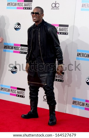 LOS ANGELES - NOV 24:  R. Kelly at the 2013 American Music Awards Arrivals at Nokia Theater on November 24, 2013 in Los Angeles, CA