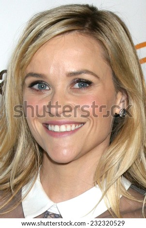LOS ANGELES - NOV 21:  Reese Witherspoon at the Lupus LA Bag Ladies Luncheon at the Beverly Hilton Hotel on November 21, 2014 in Beverly Hills, CA
