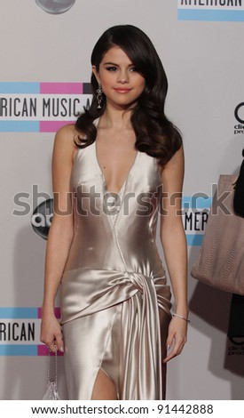 LOS ANGELES - NOV 20:  Selena Gomez arrives to the American Music Awards 2011  on November 20, 2011 in Los Angeles, CA