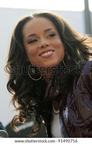 LOS ANGELES - NOV 20: Singer Alicia Keys makes an appearance in Hollywood, Los Angeles, California on 20 November 2007 - stock photo