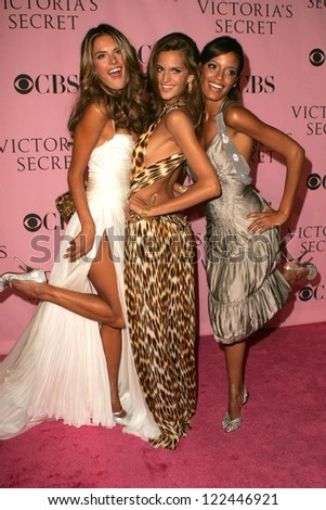 LOS ANGELES - NOVEMBER 16: Alessandra Ambrosio with Izabel Goulart and Selita Ebanks arriving at The Victoria's Secret Fashion Show at Kodak Theatre on November 16, 2006 in Hollywood, CA. - stock photo