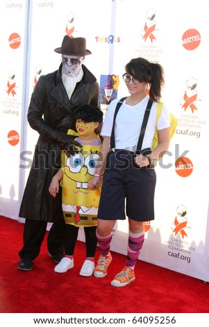 LOS ANGELES - OCT 30:  Boo Boo Stewart, Sage Stewart, Fivel Stewart arrive at the 17th Annual Dream Halloween benefiting CAAF at Barker Hanger on October 30, 2010 in Santa Monica, CA