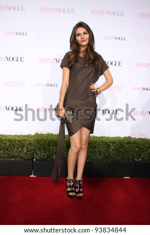 LOS ANGELES - OCT 1:  Victoria Justice arrives at the 8th Teen Vogue Young Hollywood Party - Red Carpet at Paramount Studios on October 1, 2010 in Los Angeles, CA
