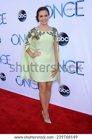 "LOS ANGELES - SEP 21:  Bailee Madison arrives to the ""Once Upon A Time"" Season Premiere on September 21, 2014 in Hollywood, CA"