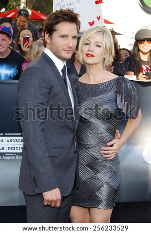 "LOS ANGELES, USA - JUNE 24: Peter Facinelli and Jennie Garth at the Los Angeles Premiere of ""The Twilight Saga: Eclipse"" held at the Nokia LA Live Theater in Los Angeles, USA on June 24, 2010. - stock photo"