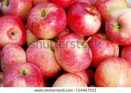 Lots of ripe apples