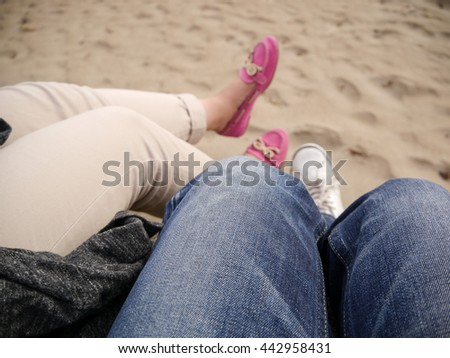 Lover sit on the coast