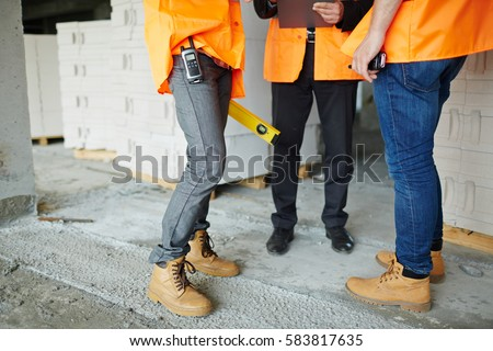 What Kind Of Shoes Do Ups Workers Wear Women