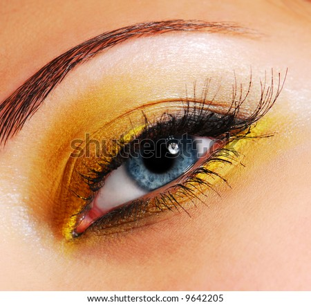 Make-up — Fashion bright yellow eyeshadow. - stock photo