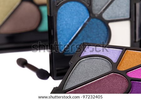 make-up powder and eyeshadow